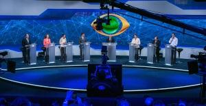 Kandidaten tijdens het eerste verkiezingsdebat